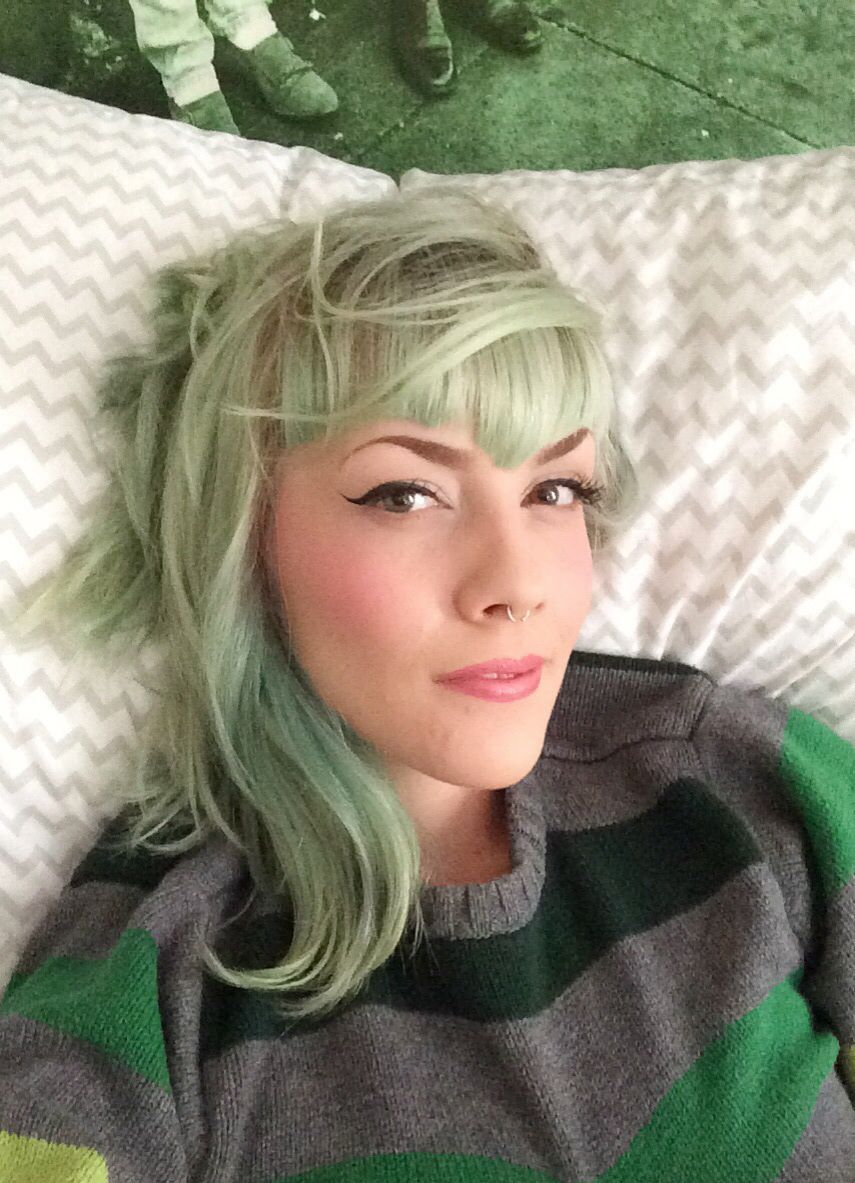sage green hair with sweetheart
