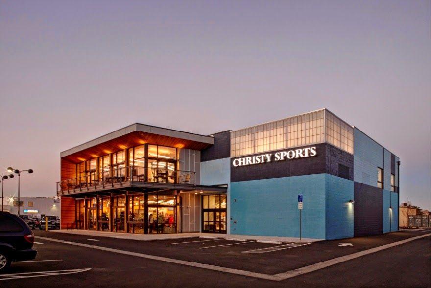 Sportmondo sports portal arch11 designs innovative indoor for Exterior design of a retail store