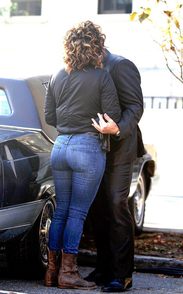 Jennifer lopez tight ass