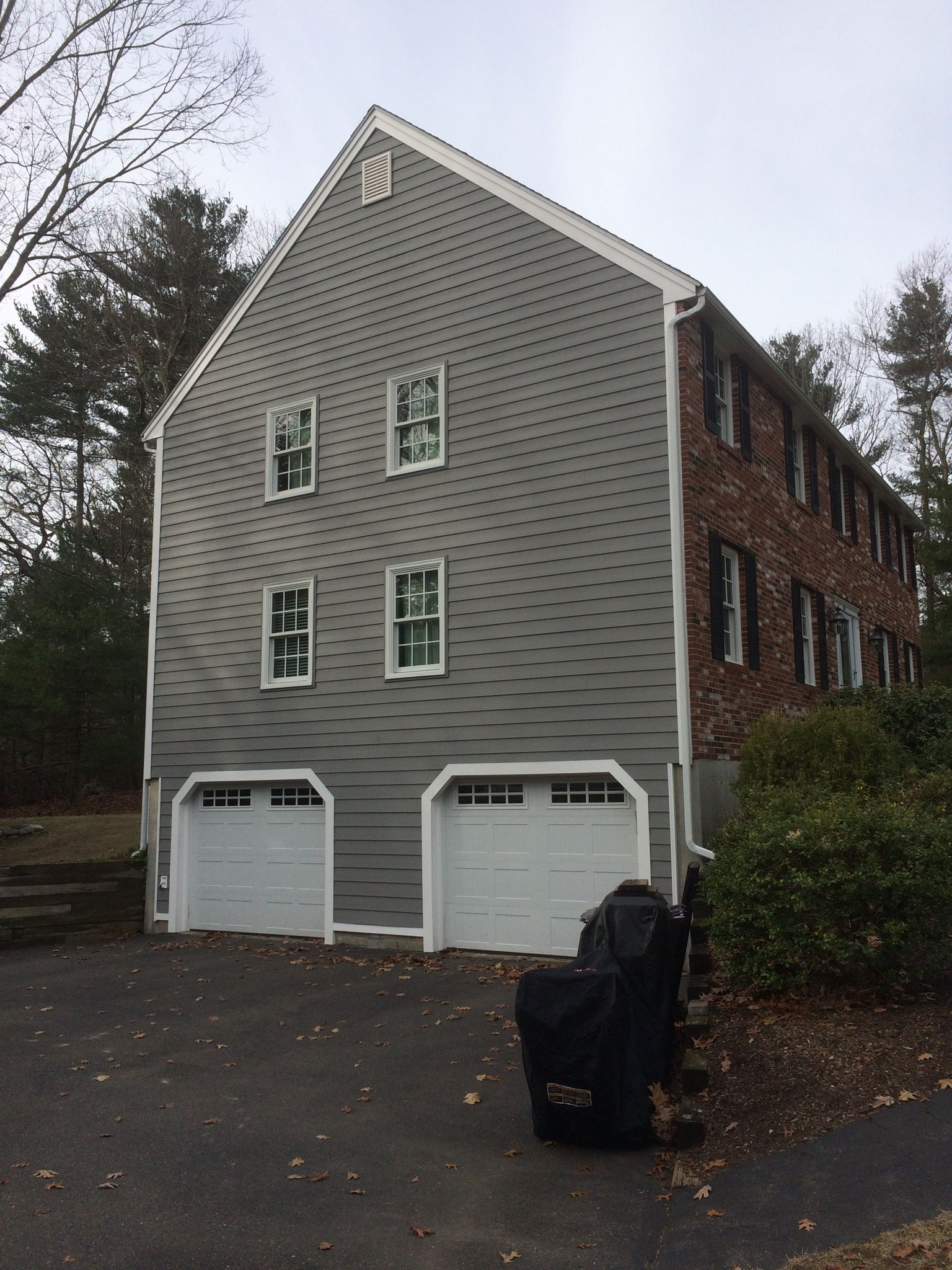 Home Remodeling Firm In Newburyport Ma Happy To Be Installing Everlast Siding House Siding Home Home Remodeling