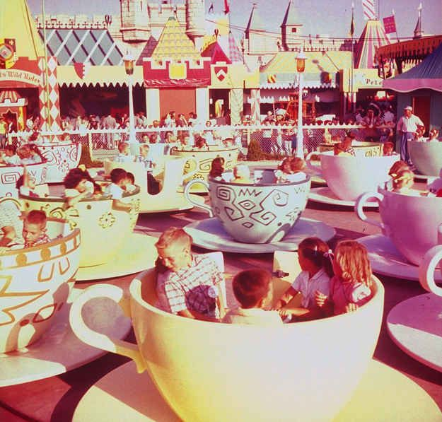 18 wonderful and rare color photos of disneyland in 1955 for Sejour complet disney