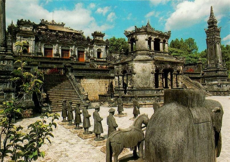 8 must-see places in Vietnam | Vietnam Travel Guide King Khai Dinh's Tomb