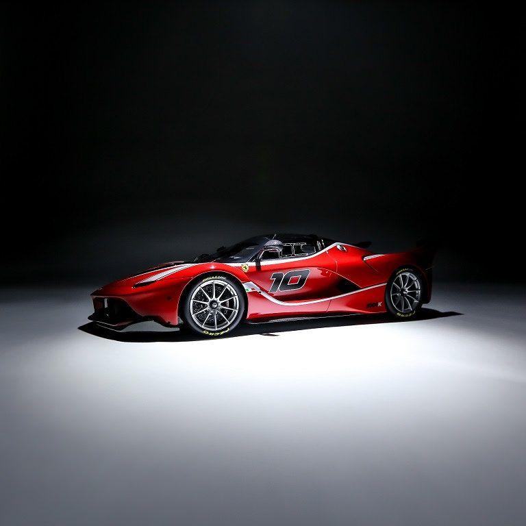 Découvrez la Ferrari FXX K photographiée par Roentgen Ng #ferrarifxx
