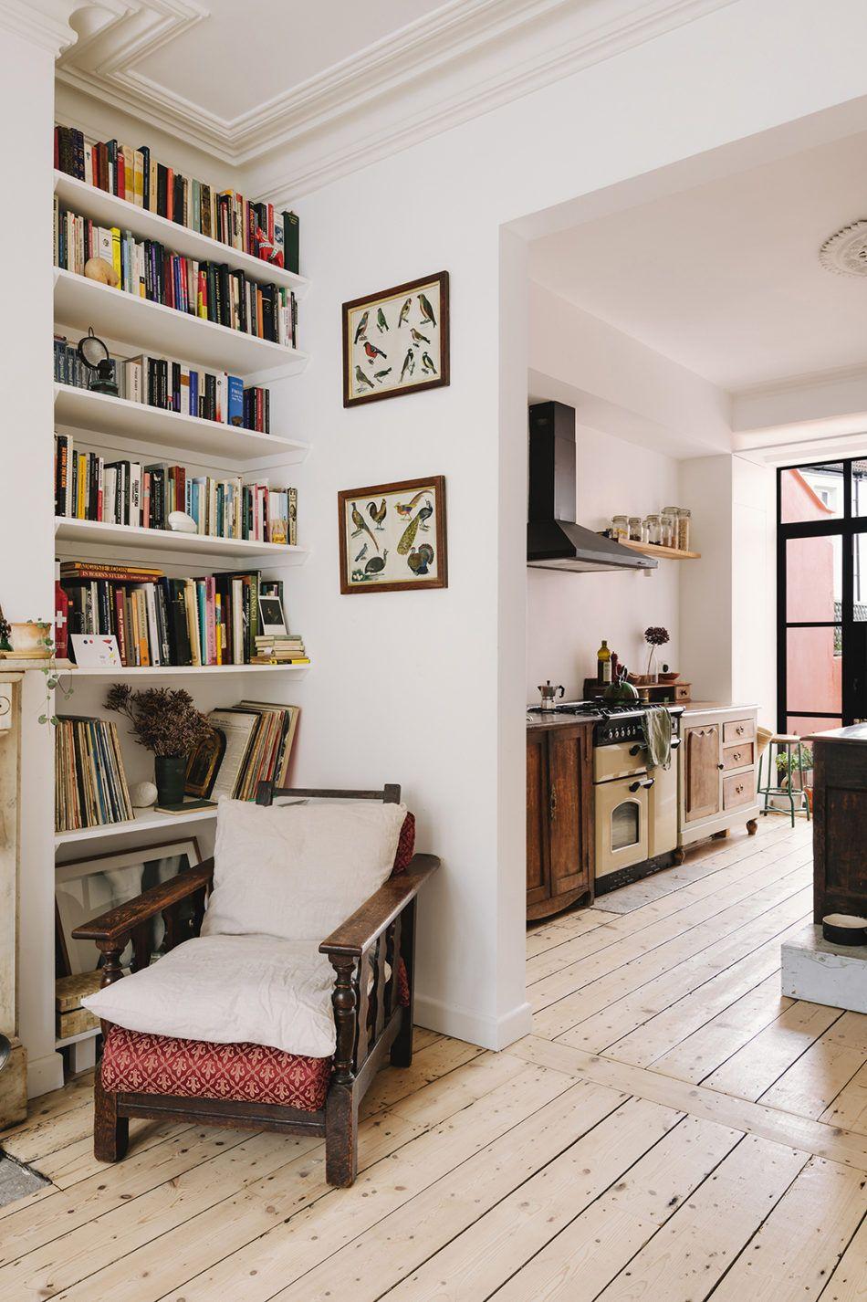Photo of Eine Küche mit einer einzigartigen Dekoration in einer 55 m² großen Wohnung in Bristol – PLANETE DECO, eine Welt der Häuser