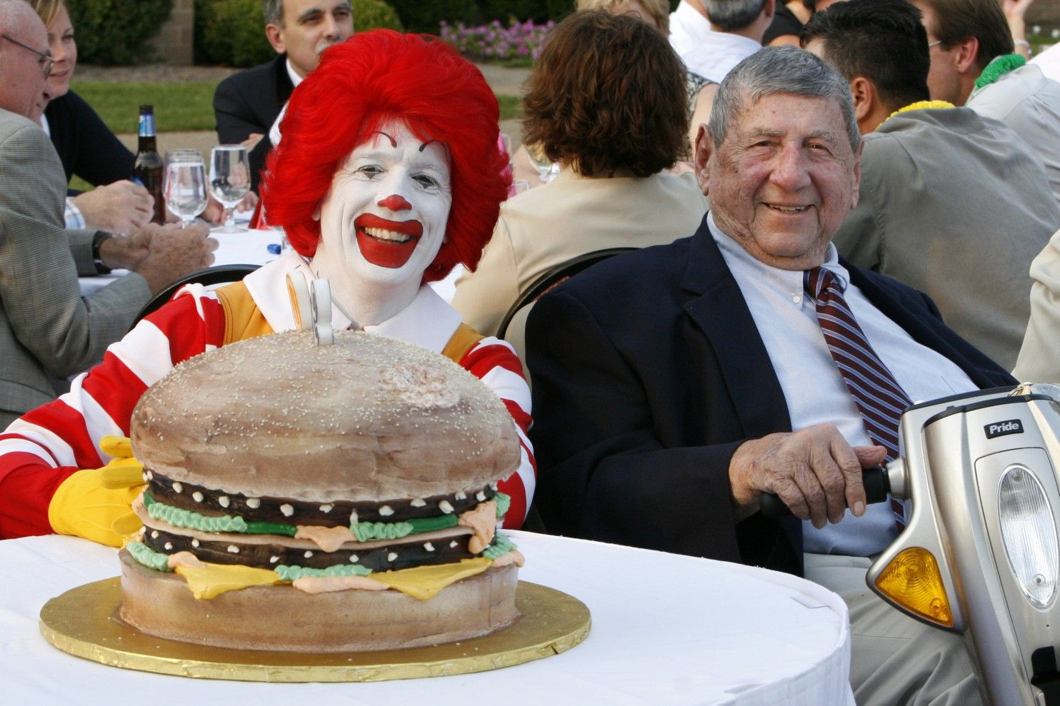 Jim Delligatti who gave the world the Big Mac sandwich dies at 98 - Washington Post