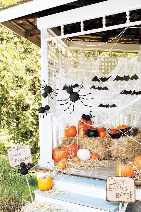 30+ Spooktacular Outdoor Halloween Decorations Pinterest Giant