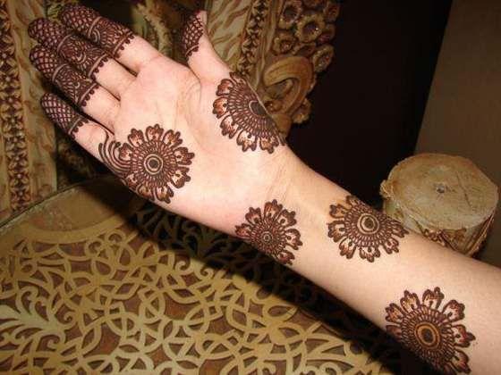 Round Flower Mehndi Designs : Mehndi design in flower pattern makeup pinterest arabic