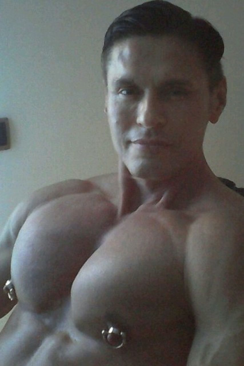 Free gay man naked photo