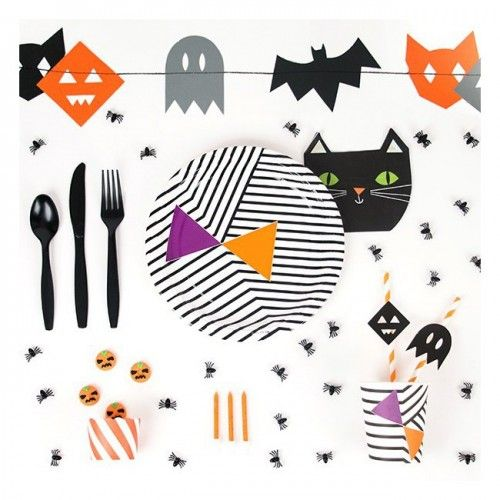 My Little Day Halloween monster party garlandmy little day   halloween party   pinterest