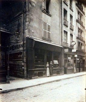 Maison de Poete Chapelain 81 Rue St. Martin (4e arr) By Eugène Atget ,1908