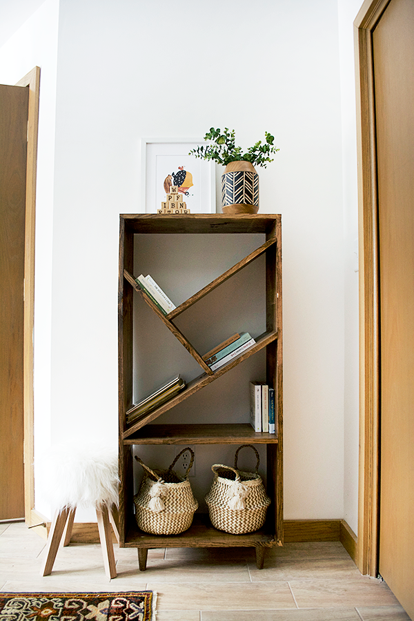Diy Bookcase With Angled Shelves Brepurposed Bookshelves Diy Bookcase Diy Diy Furniture