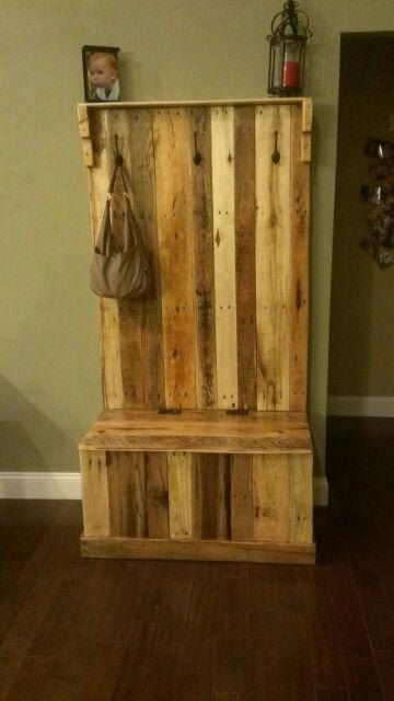 Handmade Reclaimed Pallet Wood Hall Tree Trunk By