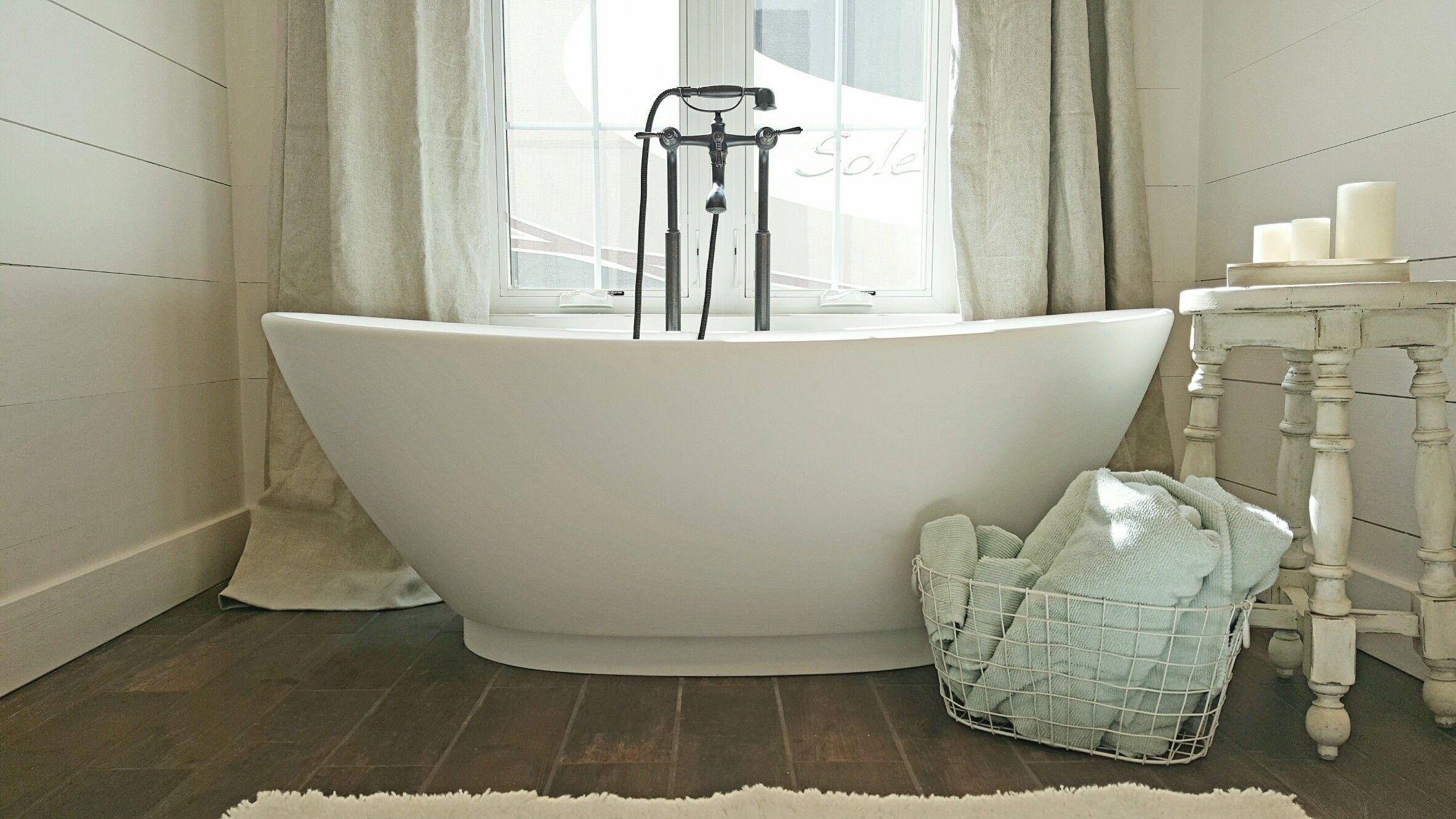 Unique Roman Bathtubs Motif - Bathtub Design Ideas - valtak.com