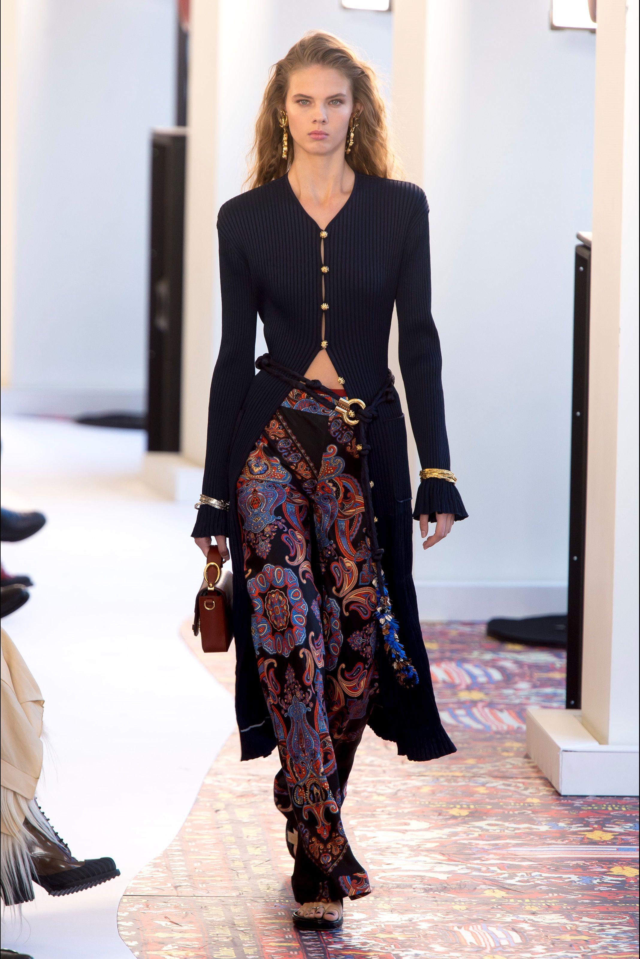 3539cbcfa423 Sfilata Chloé Parigi - Collezioni Primavera Estate 2019 - Vogue ...