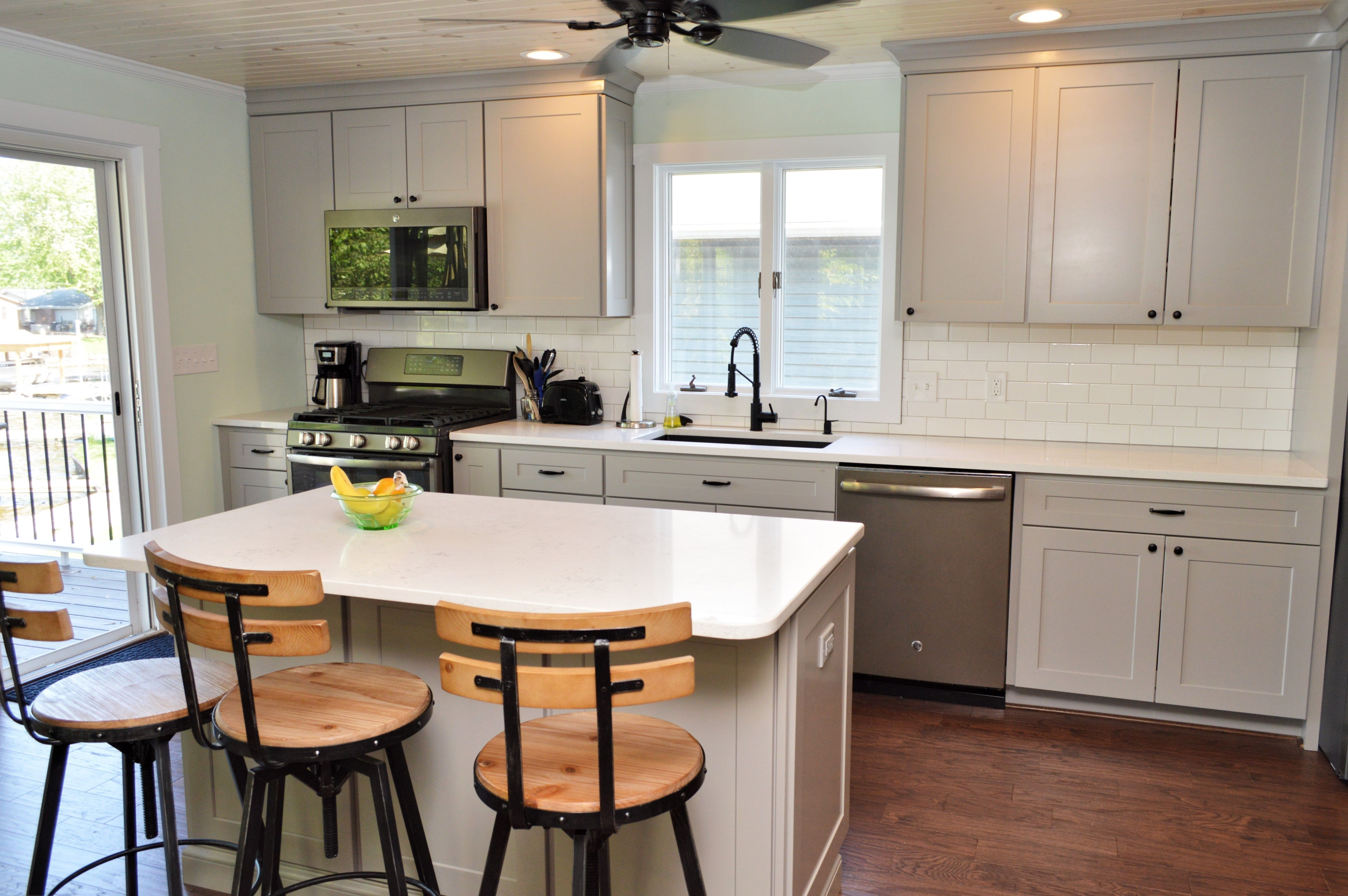Baileytown Select Maple Limestone Finish Jamestown Door Style Kitchen Painting Cabinets Cabinetry