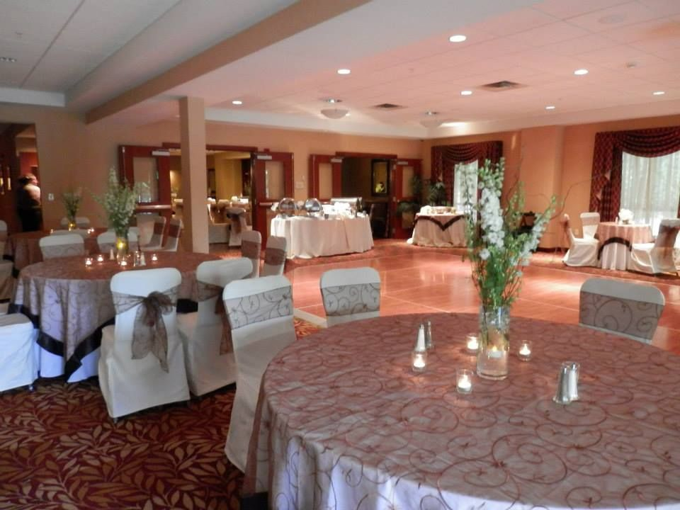 hilton garden inn wedding decor and day of planning done by a lively event - Hilton Garden Inn Troy