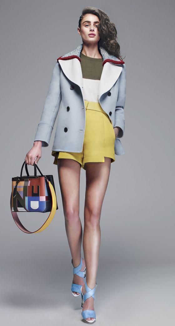 """Fendi cède à la tentation de la personnalisation, et lance sa première collection de hanses interchangeables, intitulée """"Strap You""""."""