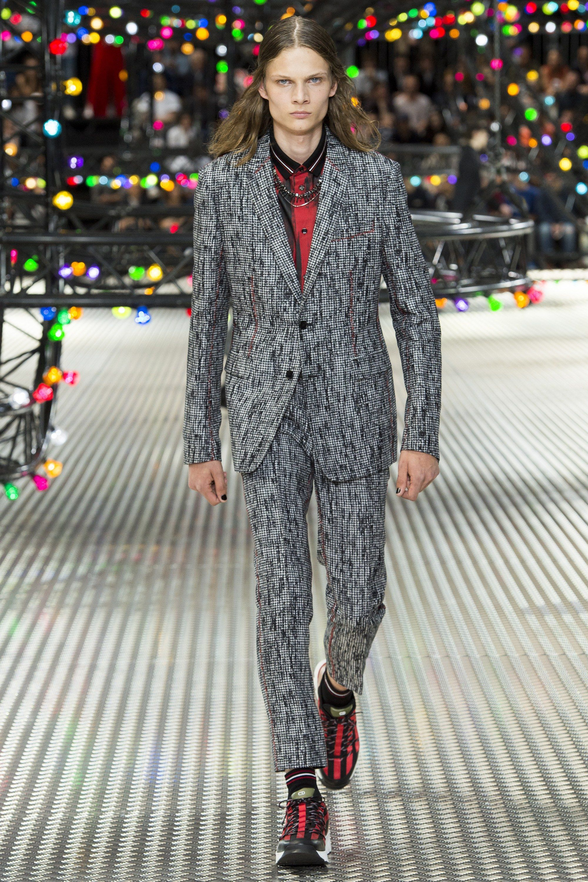 a724248d5fa7 Dior Homme Spring 2017 Menswear collection. Awesome fabric on this updated  suit.