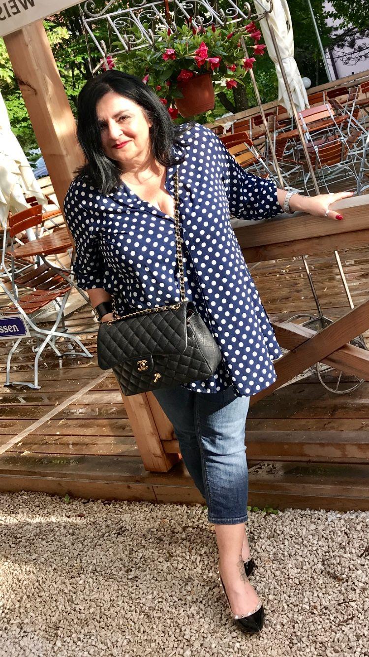 Ich liebe diese gepunktete Bluse der Firma Paprika. Wie ...
