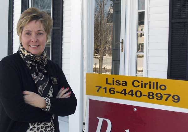 Lisa Cirillo, a newly licensed real estate agent in her early 50s, began her professional life as a graphic designer in the 1980s and early 90s. After taking some time off, she started a brand new career later in life. See how she did it!