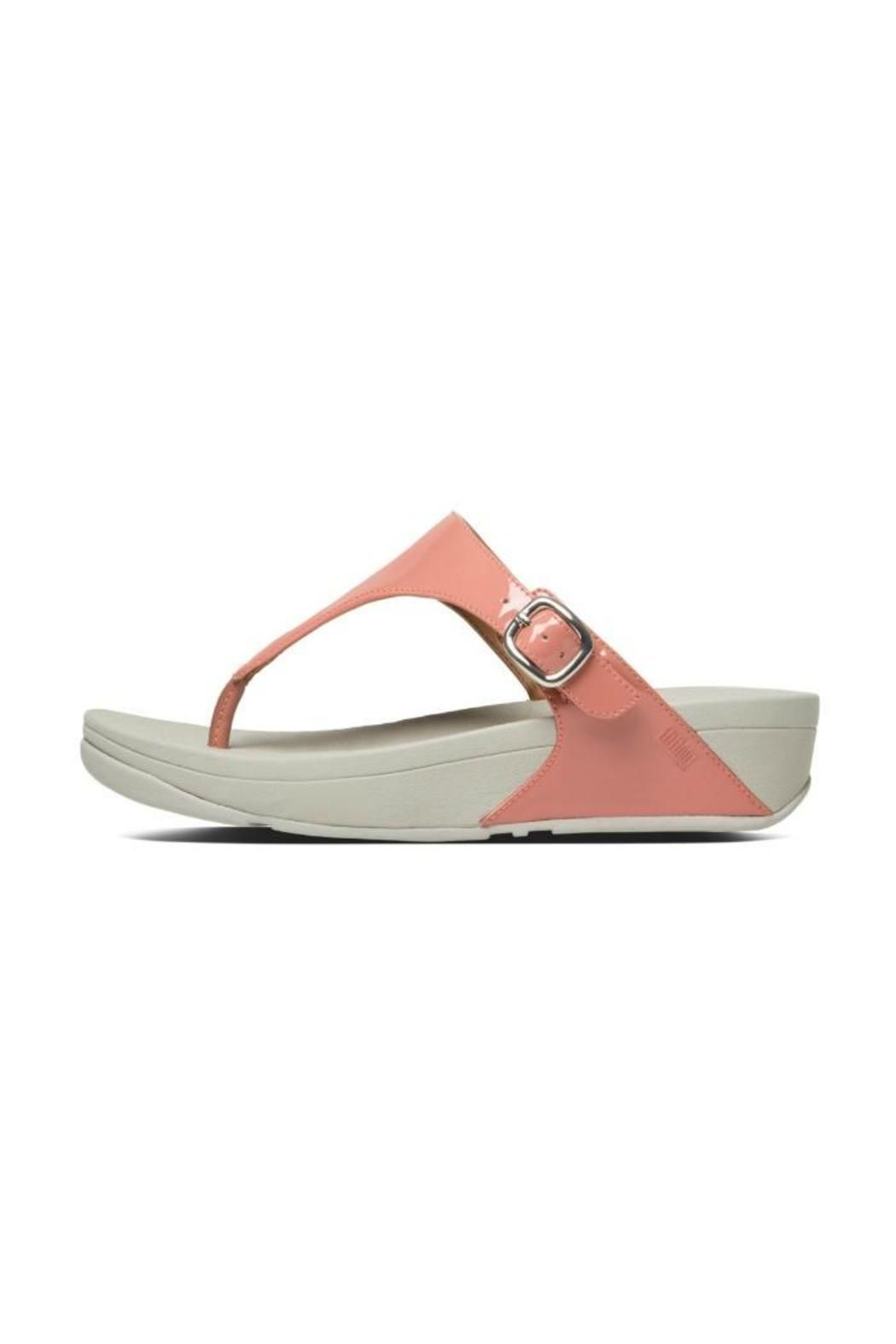These pretty, leather lined sandals have an adjustable buckle. Features the  original FitFlop�