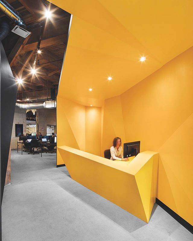 Interior Design Montreal Ca: PixMob's Montreal Headquarters, Situated Inside A