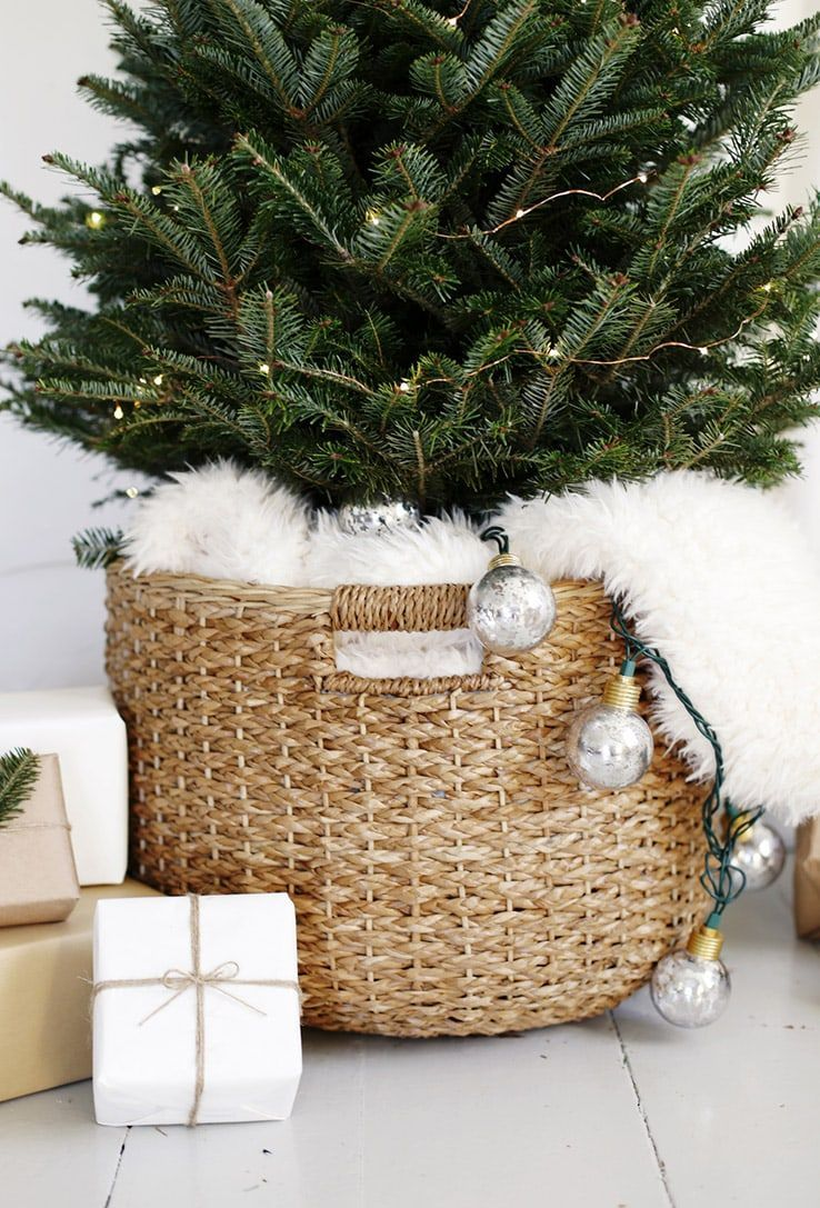 Scandinavian Christmas Ideas And Inspiration Tidbits By Cami In 2020 Scandinavian Christmas Decorations Modern Christmas Tree Modern Christmas