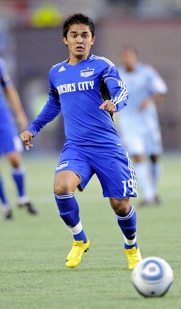 India Sunil Chettri 45 Goals Sunil Chhetri Football And Basketball Sport Football