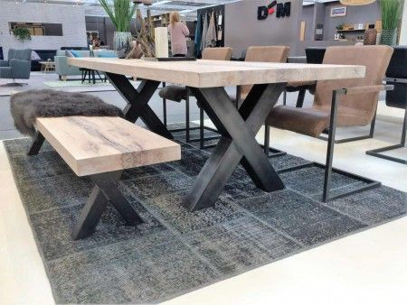 Solid oak dining table Innovative Freja X-frame    -  #DiningTable #diningtableContemporary #diningtableDecor #diningtableModern