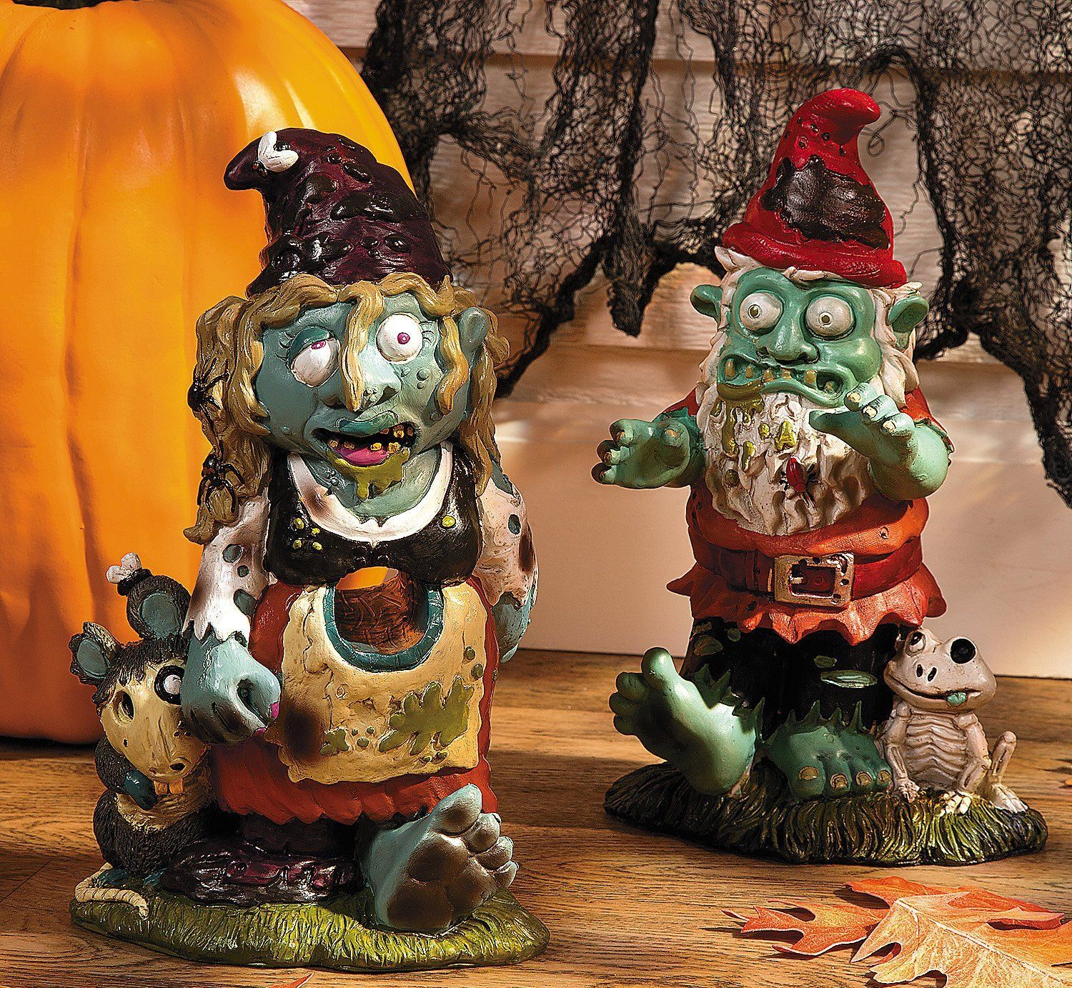Zombie Garden Gnomes make frightful Halloween yard decorations ...