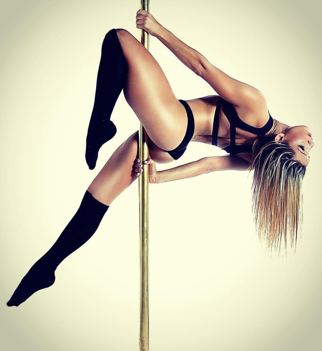 Maddie sparkles pole dance moves are out of this world