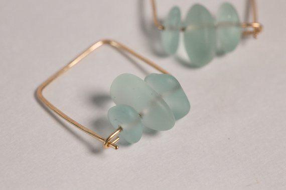 Pendientes roscados de alambre de oro de 14 k martillado y rosca de vidrio azul marino #wire …