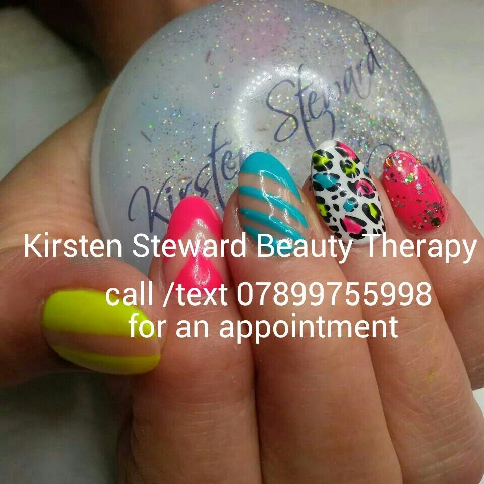 Colour therapy for beauty - Artistic Colour Gloss Kirsten Steward Beauty Therapy Nail Art Negative Space