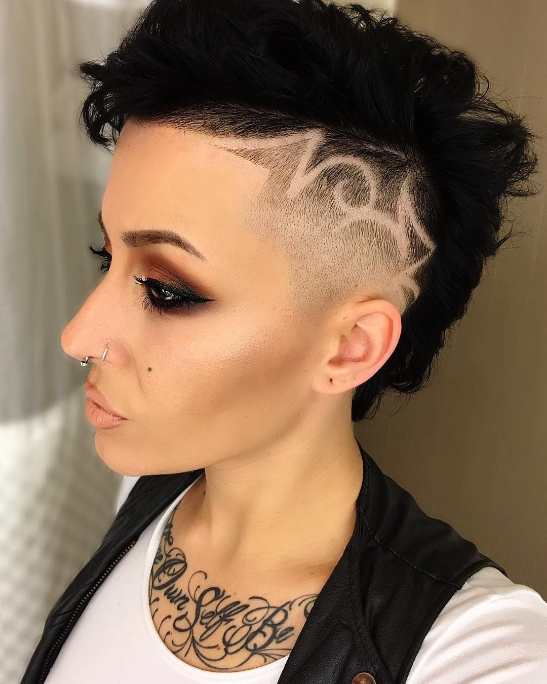 Super Kurze Frisuren Halb Rasiert Neue Haare Modelle Frisuren Kurz Frisur Eine Seite Kurz Frisur Langes Gesicht