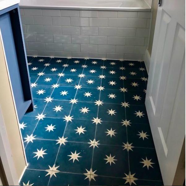 dark blue star pattern concrete tile