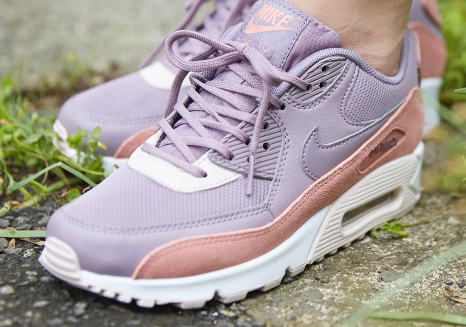 "official photos 1ab27 3ed1d  sneakers  news Nike Air Max 90 ""Stardust"""