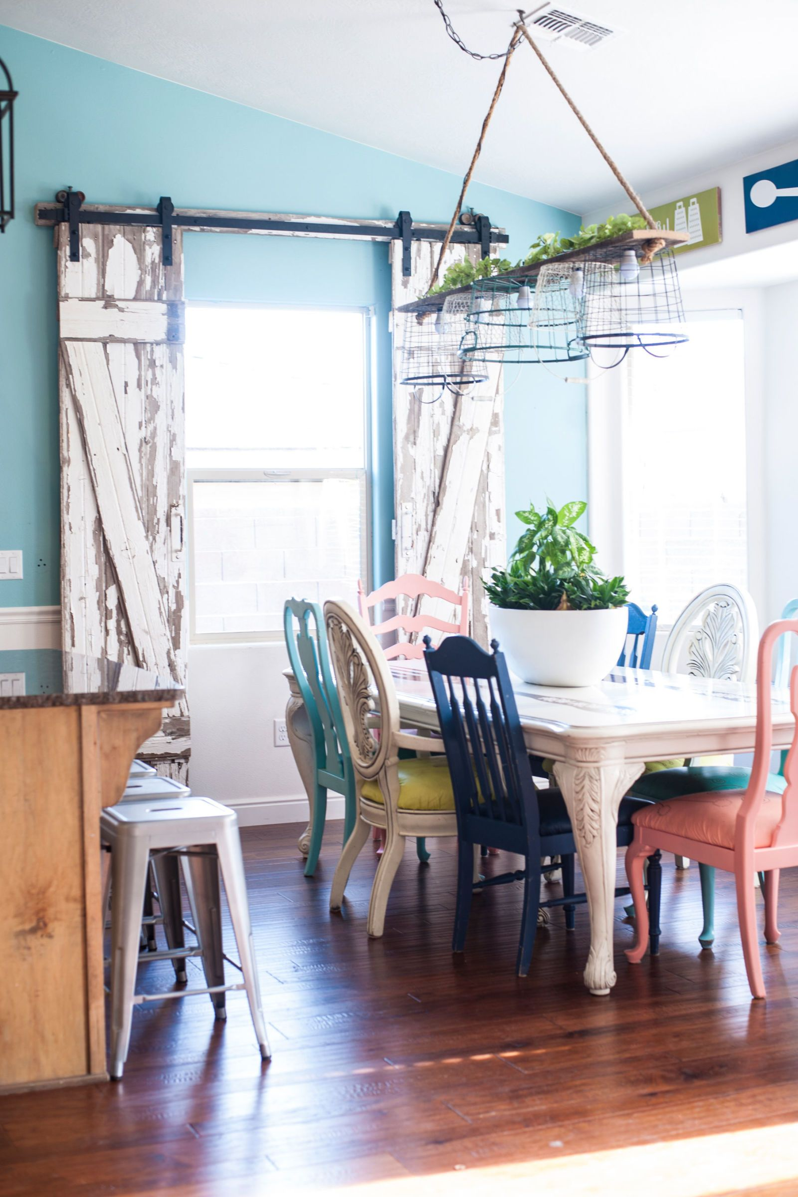 Marvelous 21 Fresh Ways To Incorporate Barn Doors Into Your Home Pictures
