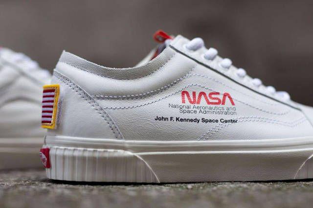 Gros Plan Sur La NASA x Vans Old Skool Space Voyager