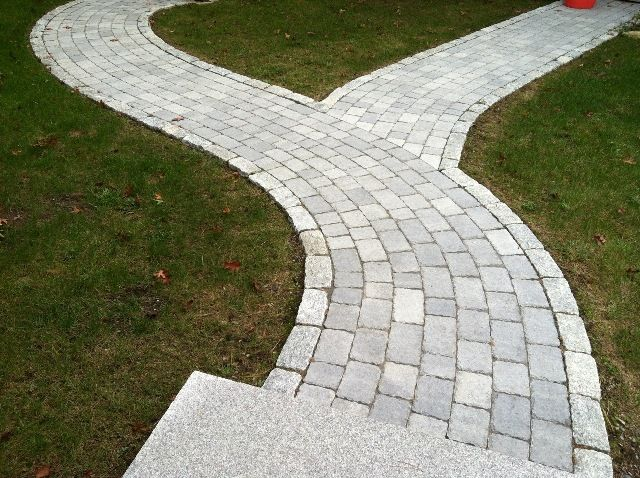 Pattern For Walkway Pavers Use A Running Bond To Follow The Gentle Curves