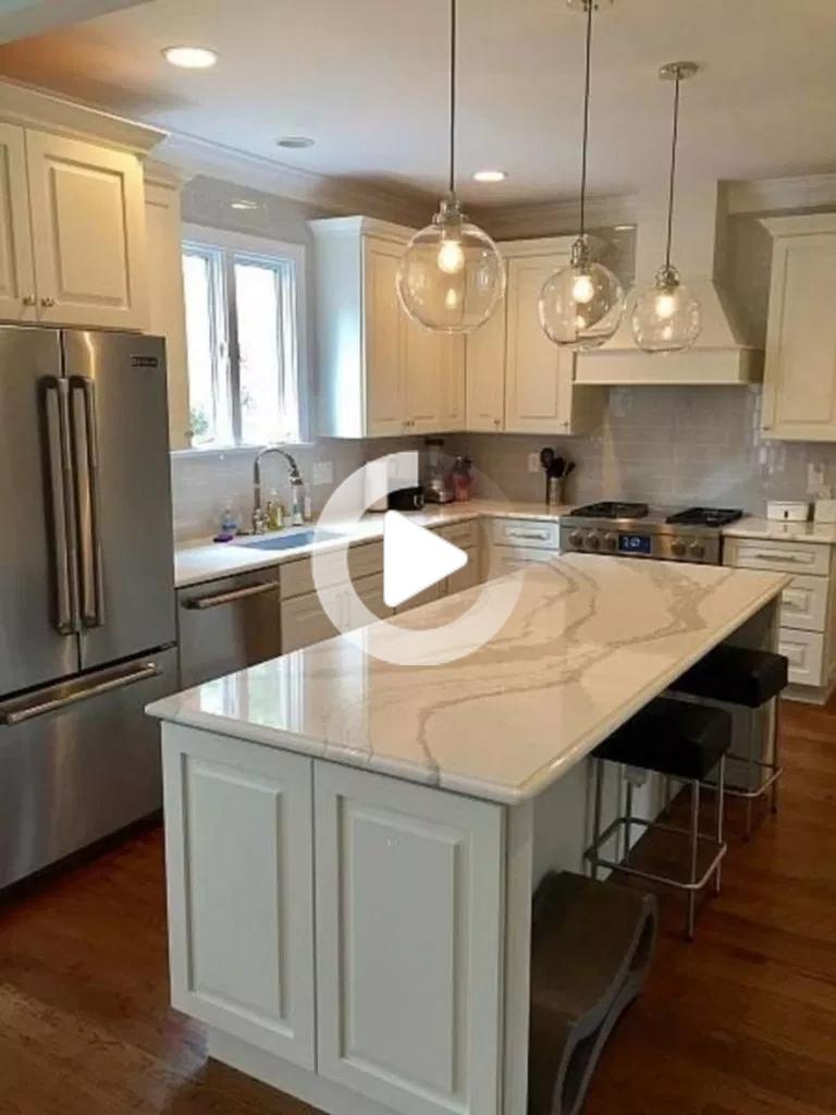 53 Isola Cucina Piccola Con Miglior Layout Per Ogni Spazi 31 In 2020 Kitchen Remodel Pictures Kitchen Remodel Small Farmhouse Kitchen Design