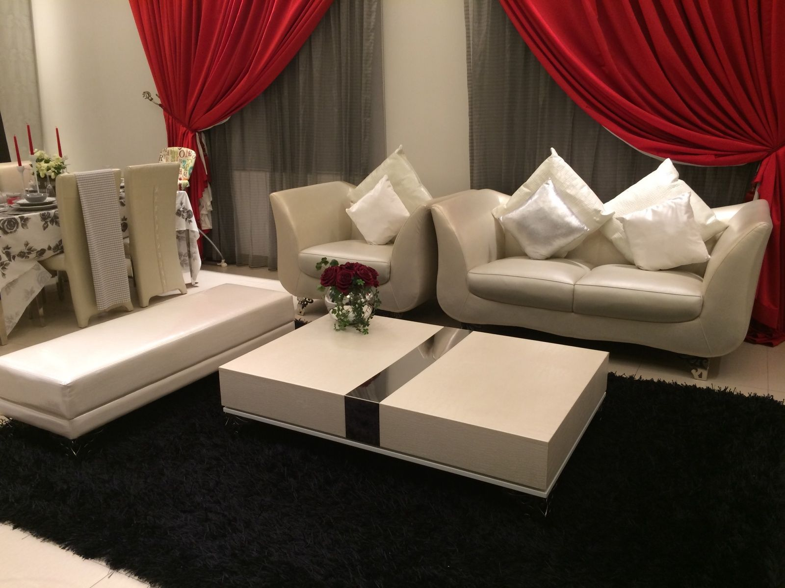 يمكنك الان مشاهدة العديد من قطع الاثاث المستعمل من خلال منزلك وعلى موقعنا حراج اثاث الذي يتوفر به العديد من القطع المميزة زور Home Decor Coffee Table Furniture