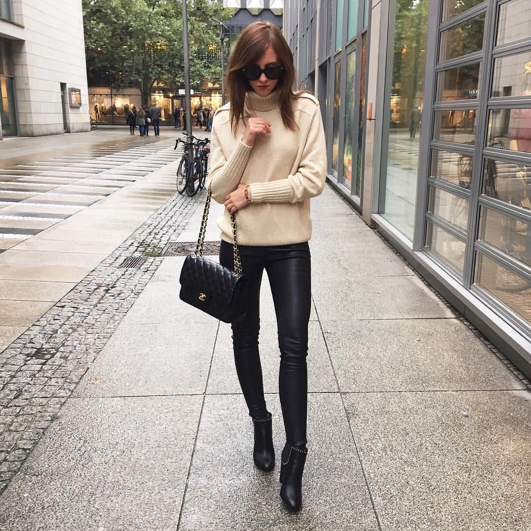"Barbora Ondrackova på Instagram: ""☔️☔️ Givenchy boots via @brunarossocom ❤️ (15% with code FASHIONINMYSOUL)"""