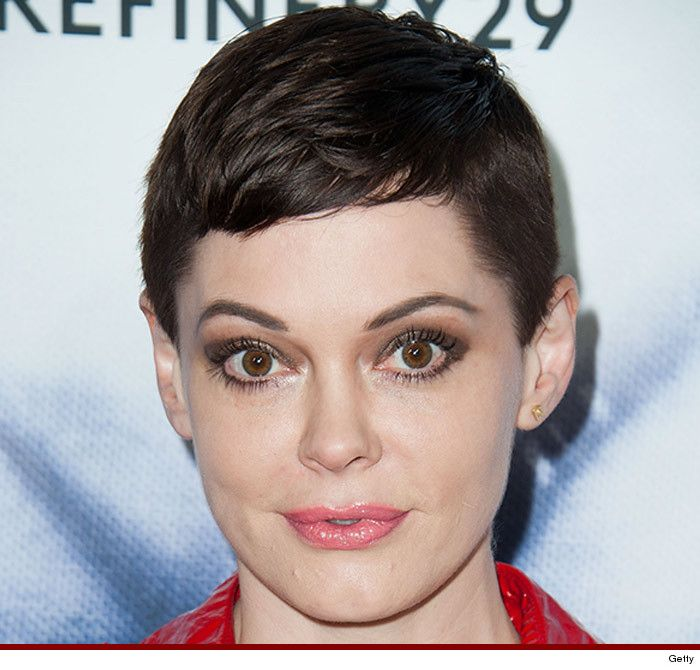 Rose Mcgowan Pixie With Images Short Hair Styles Hair Clothes
