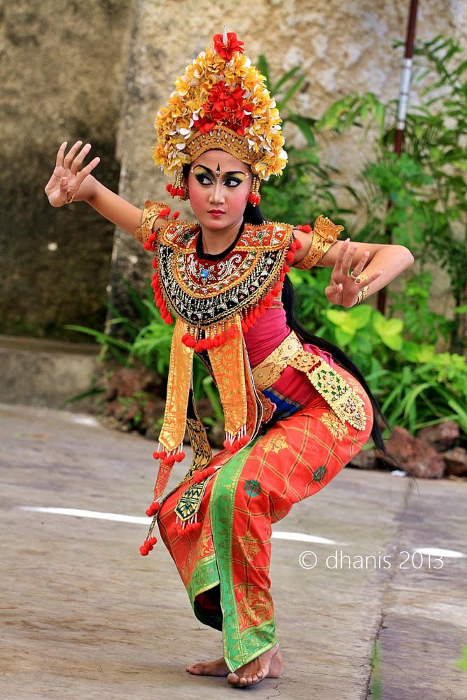 Seniman Tari : seniman, Indonesian, Gambar, Tarian,, Model, Pakaian, Asia,