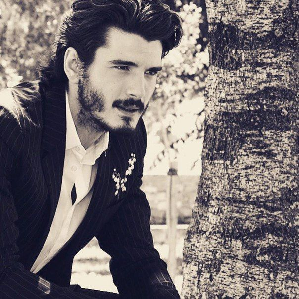 Yon Gonzalez.. What is it with men and beards??!! ^_^