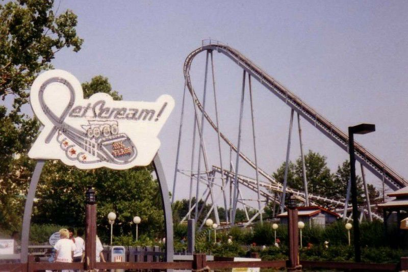 Jet Scream Momo The Monster Mule Go Round And More Six Flags Attractions Of Yore Six Flags Amusement Park Rides First Roller Coaster