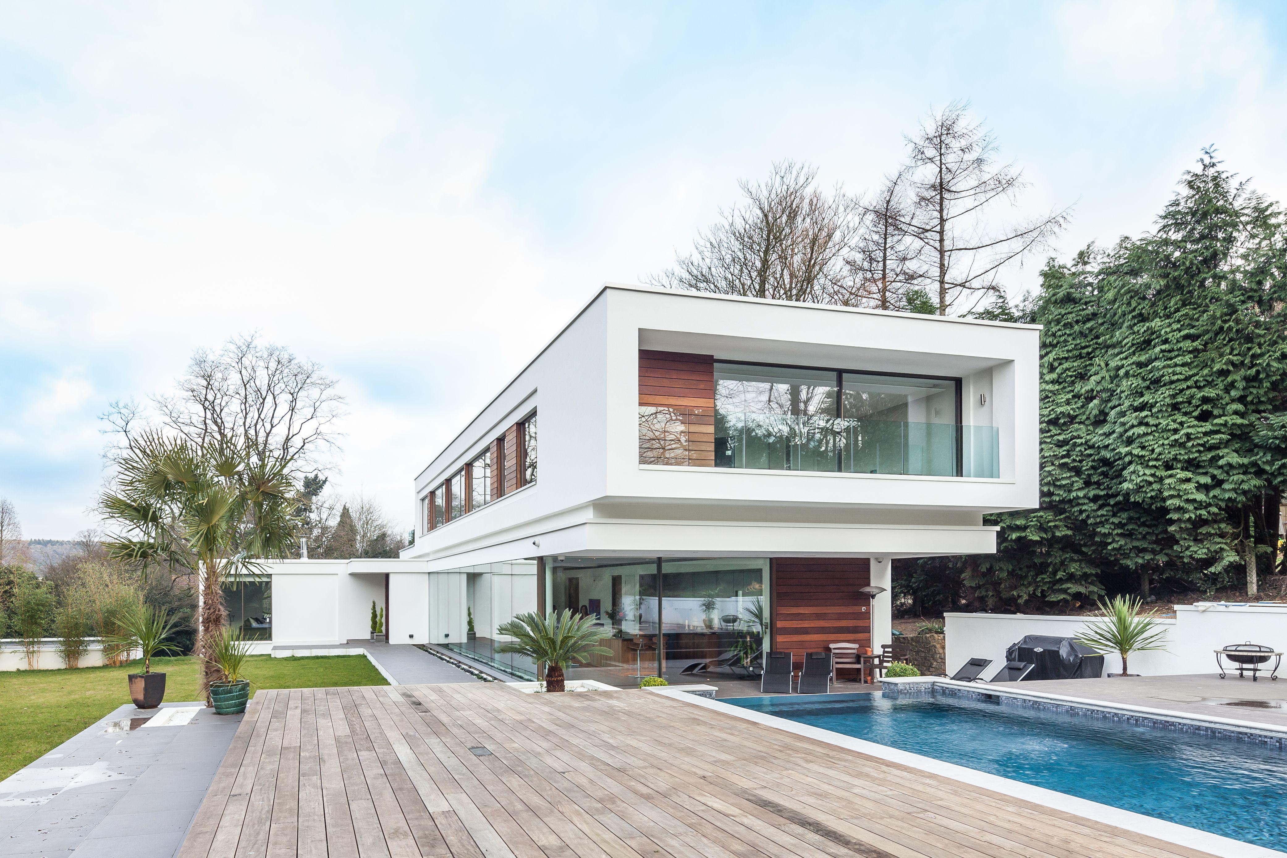 A Surrey bungalow\'s modernist makeover | Extreme makeover, Surrey ...