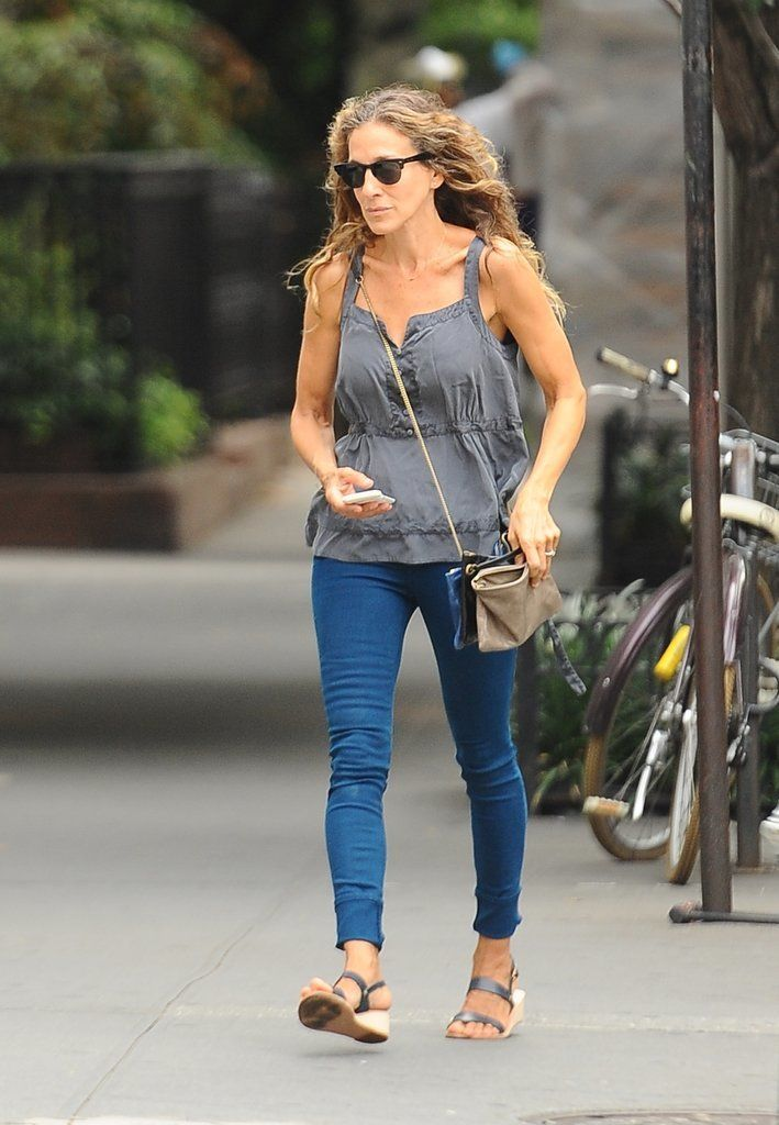 7 Denim Style Tips Straight From Sarah Jessica Parker Sarah Jessica Parker Couldnt Be A Better Fit For Jordache Denims New Campaign
