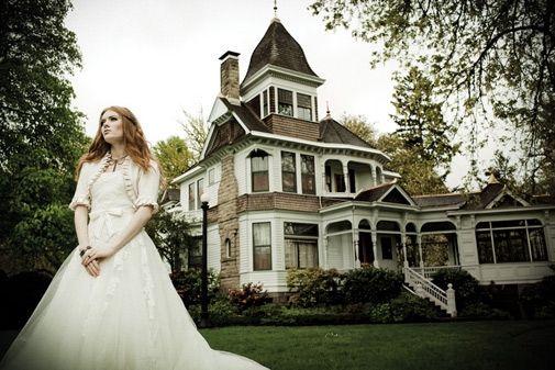 Article in fall/winter Oregon Bride Magazine - Historic Deepwood Estate, Salem, Oregon