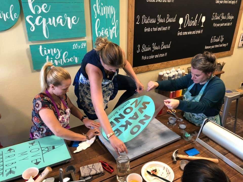 Cool Diy Studios Dallas Activities Custom Wood Signs Kid Friendly Activities